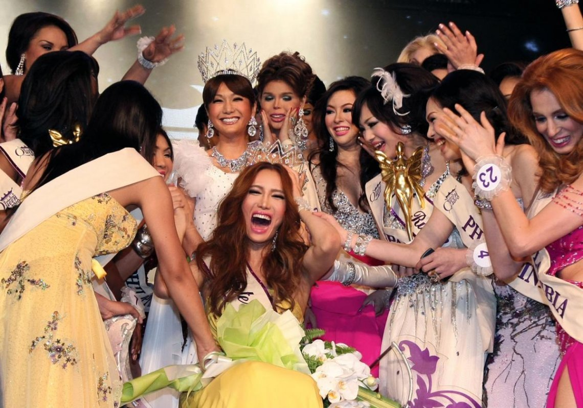 Mini from Korea is crowned Miss International Queen, Thailan, 2010. © Narong Sangnak/Corbis