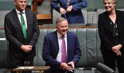Image of Opposition Leader Anthony Albanese delivering Labor's response to the federal budget.