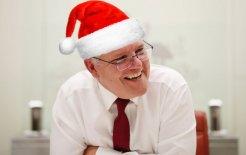 Image of Scott Morrison in a Santa hat