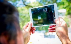 The 'Augmented Australia' app in action. © Alexander Mayes Photography
