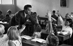 Primitive educational techniques, Sydney, 1965. © Hopwood / Fairfax Syndication