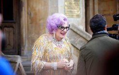 Dame Edna at the Royal Wedding. © Aurelien Guichard