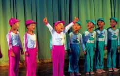 Children performing for tourists in Sinuiju, North Korea. © Linda Jaivin