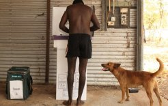 Roy Henry Tipiloura votes in Arnhem Land. © Glenn Campbell/Fairfax Syndication