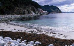Bluestone Bay, Tasmania. © Paul Sinclair / The Freycinet Experience