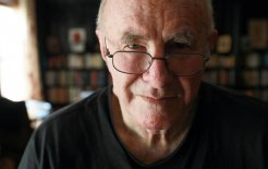 Clive James: criticism was the field in which he was obliged to subordinate himself to the texts under discussion © Britta Campion / Newspix