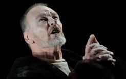 John Bell rehearsing 'King Lear'. Sydney Opera House, 2010. © Greg Wood/AFP