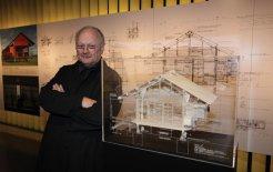 Glenn Murcutt with a model of the house he built for Banduk Marika at Yirrkala in Arnhem Land, 2009. © Jim Trifyllis/Newspix