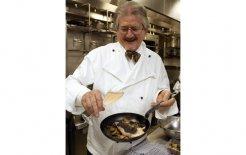 Chef Tony Bilson whips up some 'cucina ricca'. © Danielle Smith/Fairfax Photos